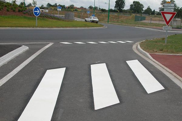 PREMARK® lines are a fast way to make pedestrian crossings