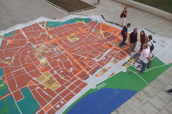 DecoMark® is guiding tourist in Barcelona